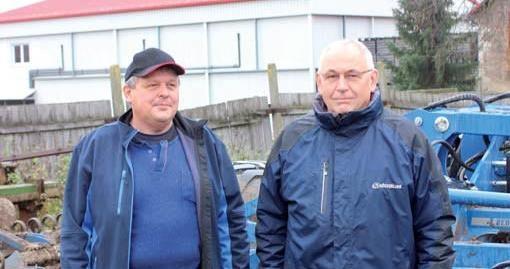 Vedouci-strediska-rostlinne-vyroby-Jaroslav-Maitner-(vlevo).jpg
