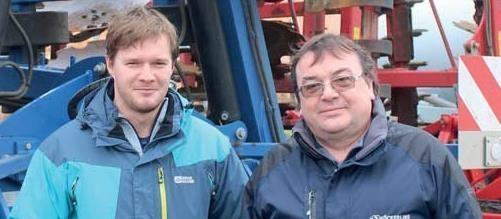 Agronom-Ing-Tomas-Kalabus-(vlevo)-s-Pavlem-Polaskem.jpg