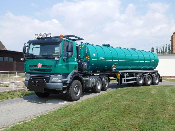 TATRA_PHOENIX_Euro5_6x6_traktor_tahac_navesu_triosy_naves_cisterna_meprozet.jpg