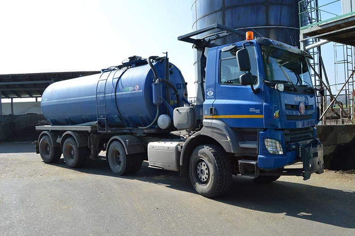 TATRA_PHOENIX_Euro6_4x4_traktor_tahac_navesu_dvouosy_naves_cisterna_MEPROZET.jpg