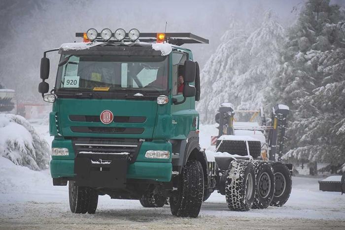 TATRA_PHOENIX_Euro5_8x6_traktor_podvozek_pro_zemedelstvi_2.jpg