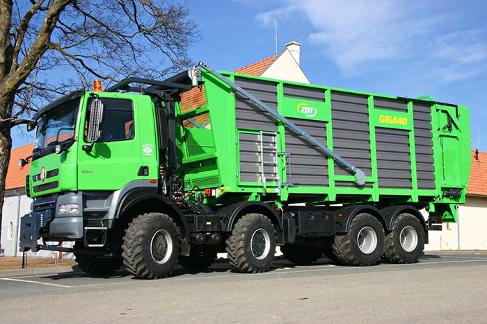 TATRA_PHOENIX_Euro5_8x8_traktor_senazni_nastavba_ZDT.jpg