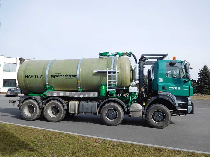 TATRA_PHOENIX_Euro5_8x8_traktor_fekalni_cisterna_Agrostar.jpg