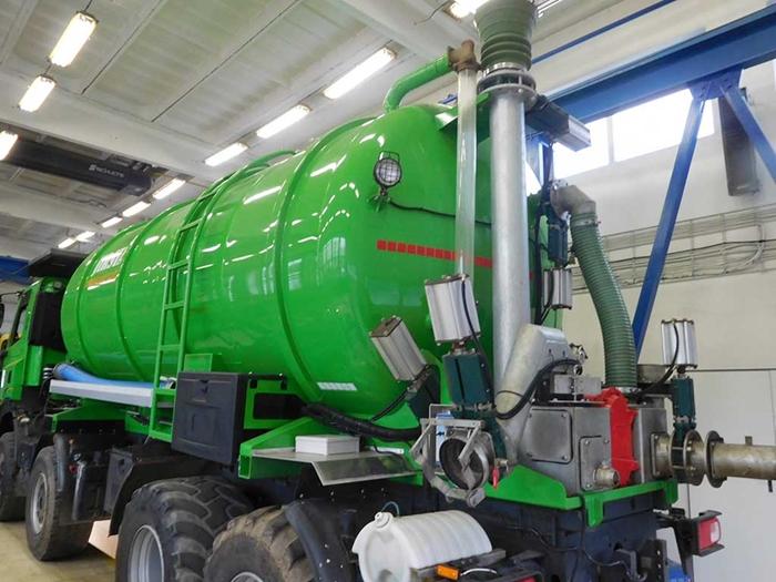 TATRA_PHOENIX_Euro5_8x8_traktor_fekalni_cisterna_ZVVZ.jpg