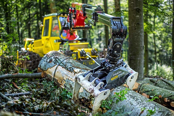 Lesnicky-traktor-SLKT-Bijol-BWS160-4-×-4-s-hydraulickym-jerabem-01.jpg