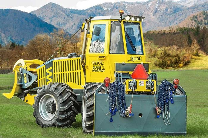 Lesnicky-traktor-SLKT-Bijol-BWS160-4-×-4-01.jpg