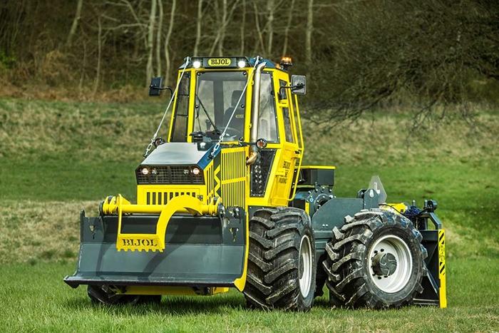 Lesnicky-traktor-SLKT-Bijol-BWS160-4-×-4-02.jpg