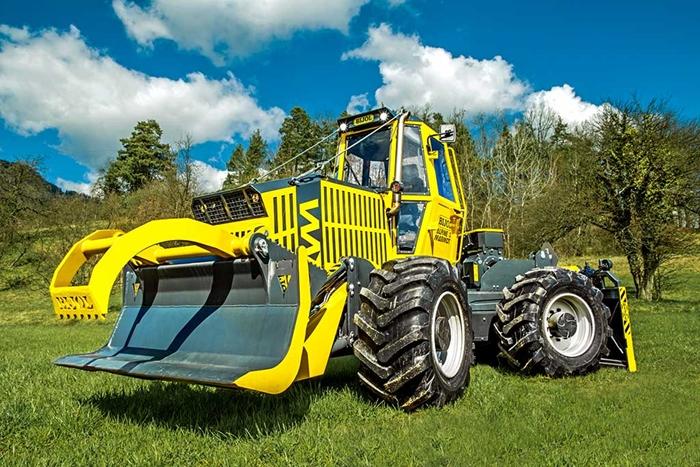 Lesnicky-traktor-SLKT-Bijol-BWS160-4-×-4-03.jpg