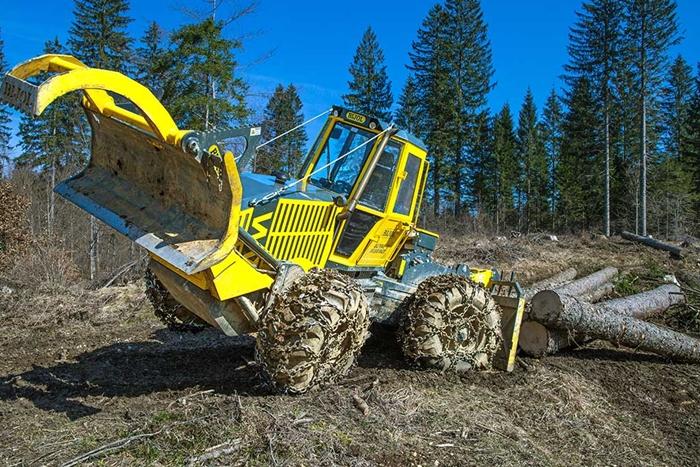 Lesnicky-traktor-SLKT-Bijol-BWS160-4-×-4-09.jpg