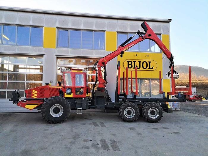 Lesnicky-traktor-SLKT-vyvazeci-Bijol-BWS240-6-×-6-s-hydraulickym-jerabem-01.jpg