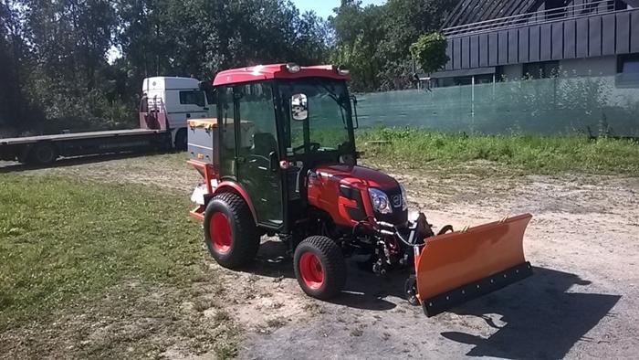 Traktor-Kioti-zimni-set.jpg