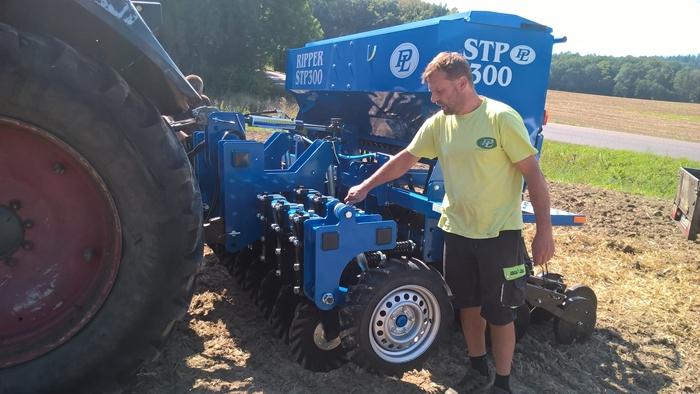 Seci-stroj-Ripper-STP-300-v-podniku-Agro-Libomerice-01.jpg
