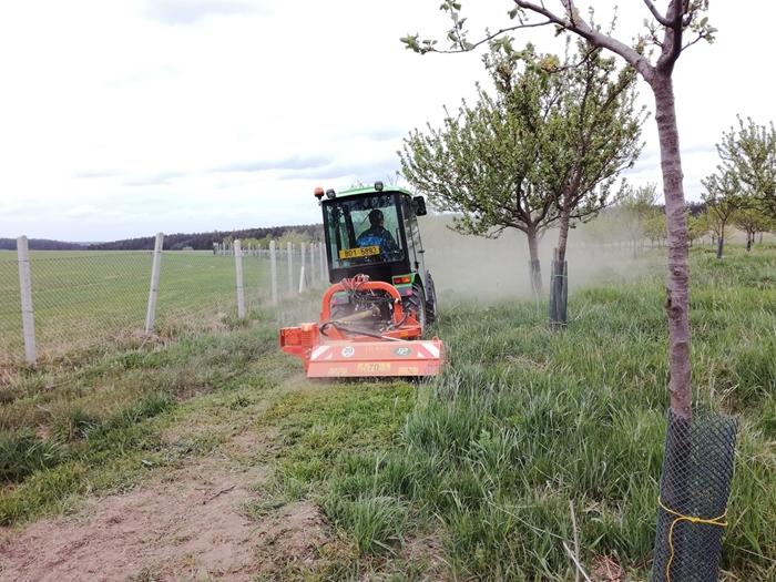 Mulcovac-Tierre-miniTCL-120-traktor-salek-(2).jpg
