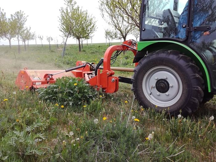 Mulcovac-Tierre-miniTCL-120-traktor-salek-(5).jpg
