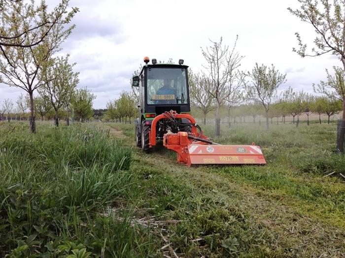 Mulcovac-Tierre-miniTCL-120-traktor-salek.jpg