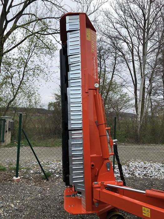Mulcovac-Tierre-TCL-PRO-230-traktor-fendt2.jpg