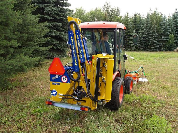 Traktor-Kioti-CK2810-prikopove-rameno-Marolin.jpg