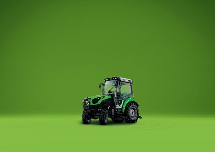 Traktor_Deutz-Fahr_5DS_TTV_2.jpg