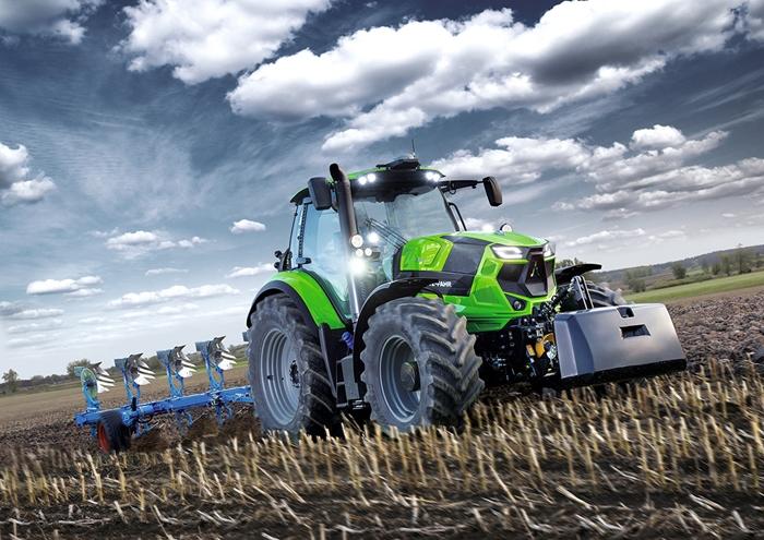 Traktor_Deutz-Fahr_Agrotron6_2.jpg