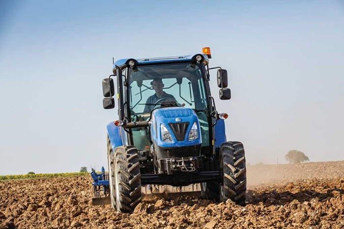 Traktor_New_Holland_T4S_4.jpg