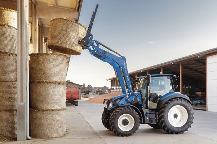 Traktor_New_Holland_T5_DynamicCommand_3.jpg