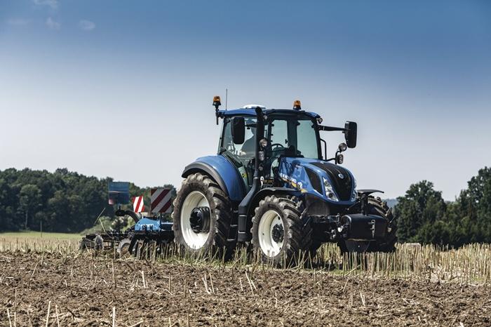 Traktor_New_Holland_T5_ElectroCommand_2.jpg
