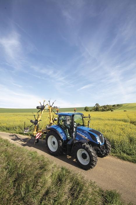 Traktor_New_Holland_T5_ElectroCommand_3.jpg