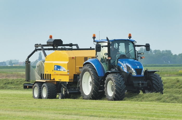 Traktor_New_Holland_T5_Utility_2.jpg