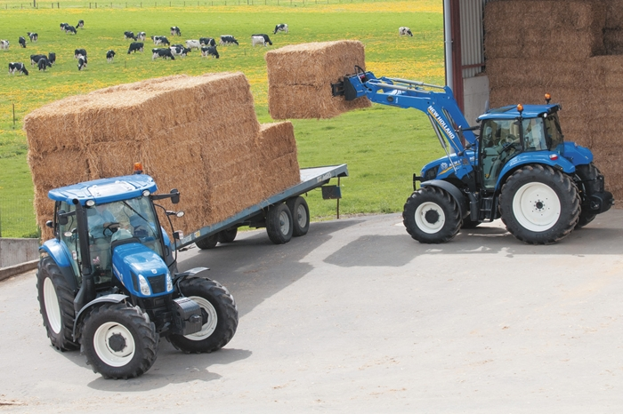Traktor_New_Holland_T5_Utility_3.jpg