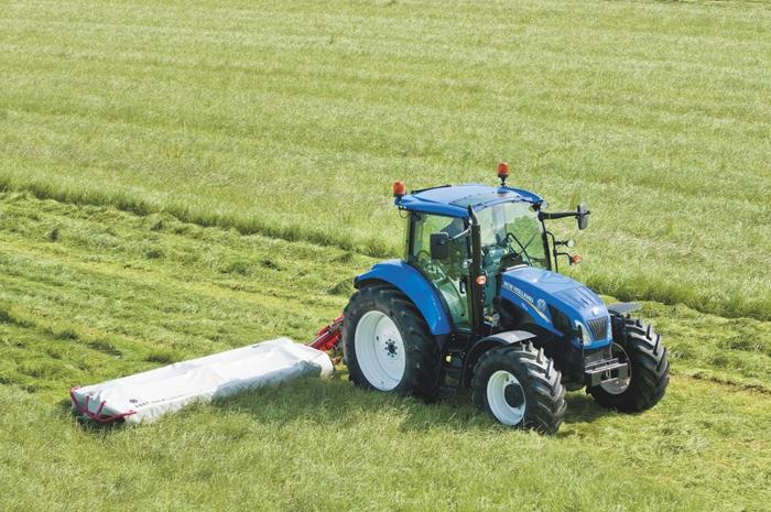 Traktor_New_Holland_T5_Utility_4.jpg