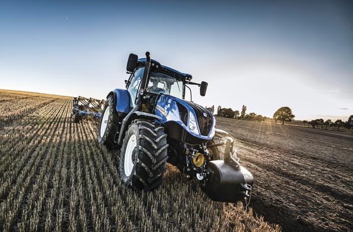 Traktor_New_Holland_T6_2.jpg