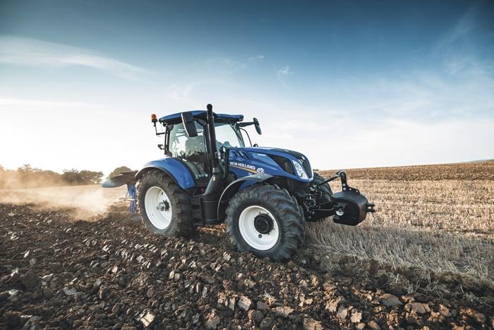 Traktor_New_Holland_T6_4.jpg