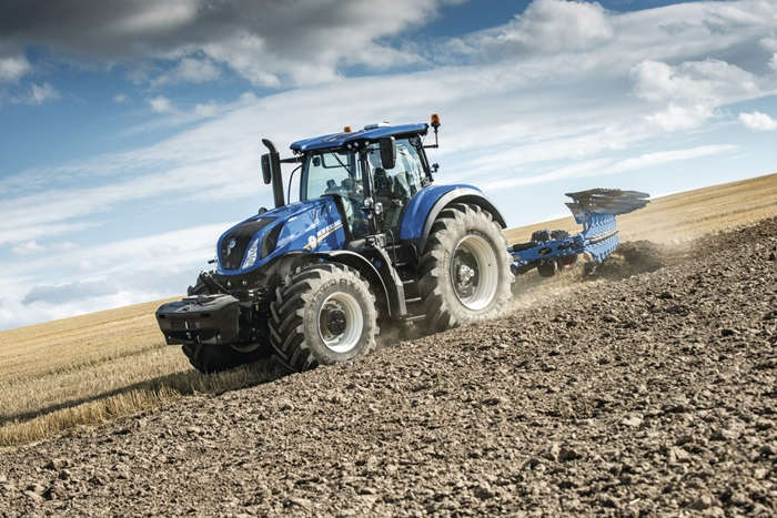 Traktor_New_Holland_T7HD_2.jpg
