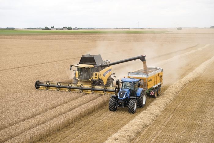 Traktor_New_Holland_T7_2.jpg