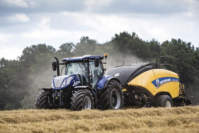 Traktor_New_Holland_T7_3.jpg