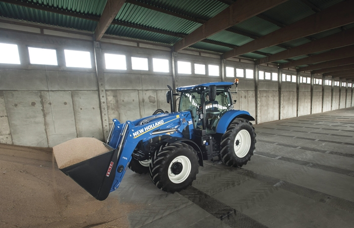 Traktor_New_Holland_T7_4.jpg